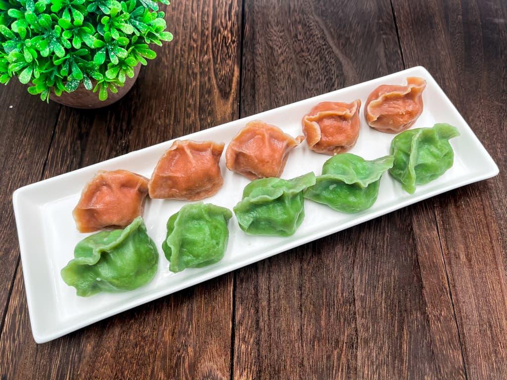 皮はもっちりで見た目鮮やか水餃子(緑、桃)【中国家庭料理 山東】